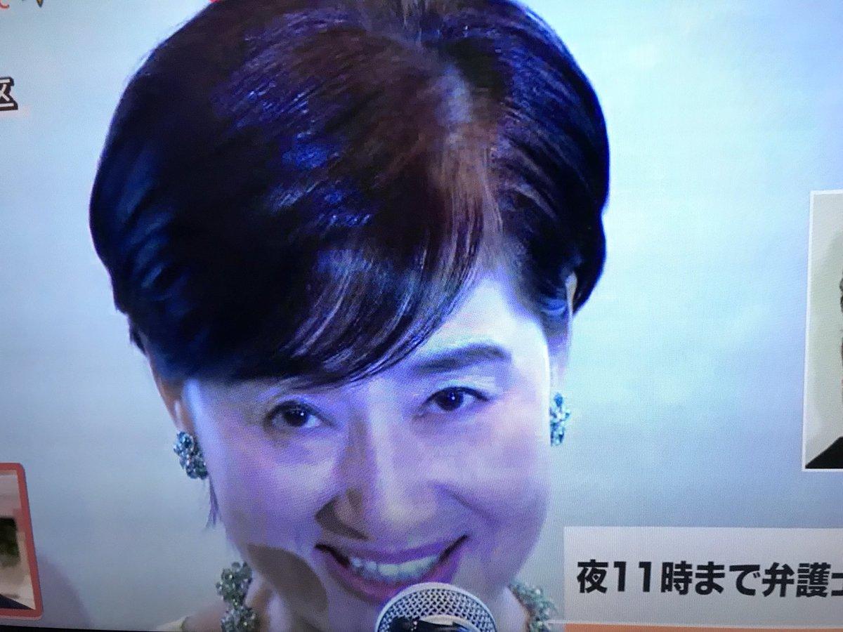 松居一代の離婚記者会見「笑顔が怖い」「目がイってる」「不 ...