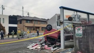 国道1号線で事故渋滞。原因は岡崎市舞木町でトラックと乗用車が衝突「ぐっちゃになってる」